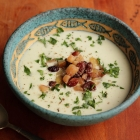 Cauliflower soup with Gorgonzola and pickled pear relish