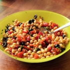 Chickpea salad with roasted peppers and black olives