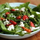 Spinach and strawberry salad with goat cheese