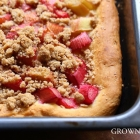 Rhubarb kuchen with spiced up streusel
