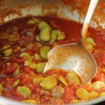 Broad beans in tomato sauce with lots of spices