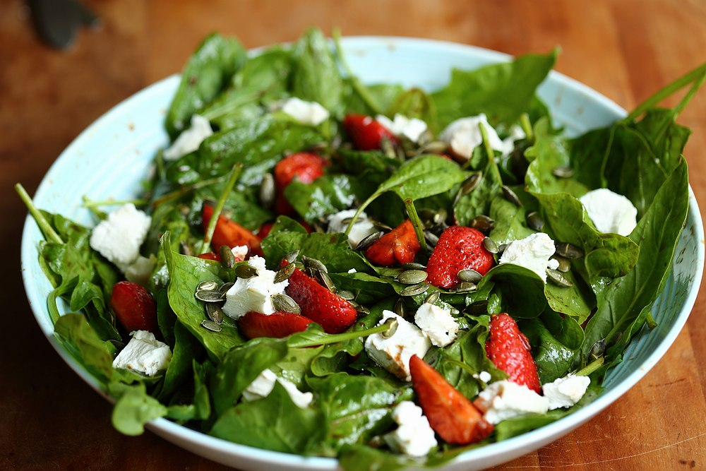 Spinach salads previously: Baby spinach salad with pita croutons ...